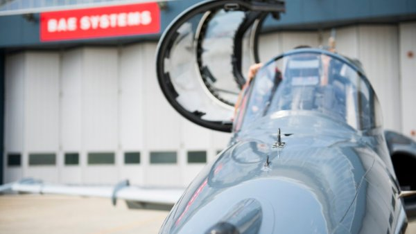 RAAF Hawk LIFCAPS 5 600x338 - Hawks modernizados pela BAE Systems começam a treinar pilotos australianos