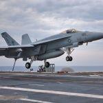 Drone iraniano chega perto de caça F/A-18 Super Hornet dos EUA