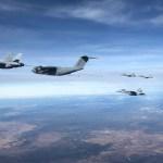 VÍDEO: Airbus A400M reabastece seis caças F-18 em um único voo