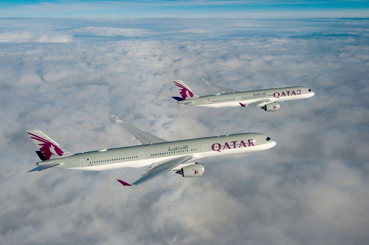 Vdeo primeiro a350 1000 da qatar airways realiza voo inaugural o primeiro a350 1000 da qatar airways durante seu voo inaugural juntamente com um a350 900 tambm da companhia area nacional do catar foto airbus stopboris Image collections