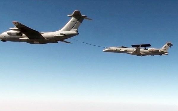 air force story 647 113017025435 600x375 - Força Aérea da Índia realiza primeiro reabastecimento aéreo de um Embraer 145 AEW&C