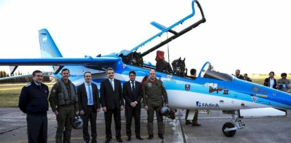 webdp wk9 pampa 600x295 - FADEA assina contrato para fornecer 3 aeronaves Pampa III para Força Aérea Argentina