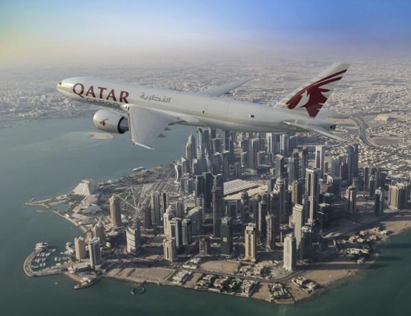 777F Boeing Qatar Doha 600x461 - Qatar Airways assina memorando para compra de cinco cargueiros 777F