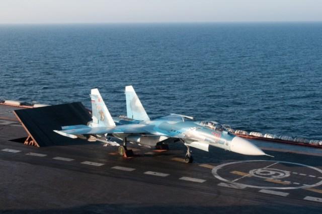 Sukhoi Su 33 Flanker D - Rússia mantém modernização dos Su-33 sem saber destino de seu único porta-aviões