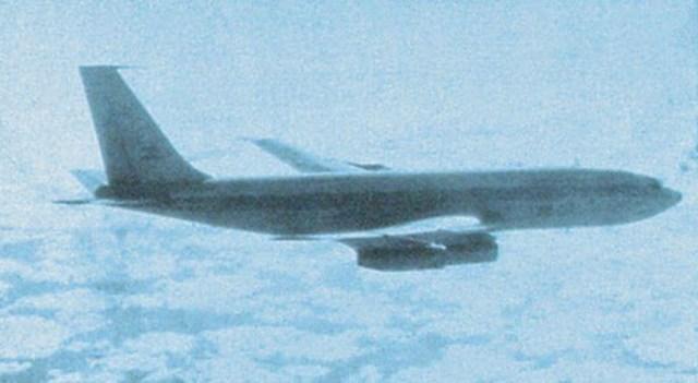 guerra das malvinas 707 da FAA por um Sea Harrier - GUERRA DAS FALKLANDS/MALVINAS: o dia em que uma aeronave brasileira esteve há minutos de ser abatida