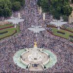 IMAGENS E VÍDEO: RAF celebra seu centenário com sobrevoo de 100 aeronaves