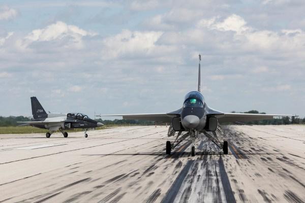 35424278371 506d41d257 b 600x400 - Consórcio Lockheed-KAI apresenta proposta final para competição T-X da USAF