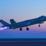 China próxima da produção em massa do J-20 após solucionar problemas nos motores