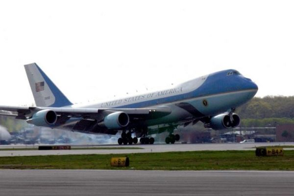 Cumbre del G-20 en Argentina Boeing-receives-983M-contract-for-aircraft-engineering-600x401