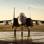 Força Aérea de Israel complementa caças furtivos F-35I com jatos de combate F-15IA modernizados