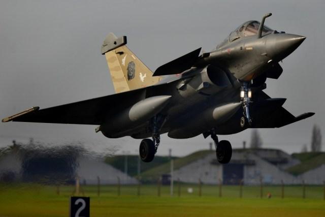 1000w q95 72 - Dassault atinge meta de entregas de caças Rafale em 2018