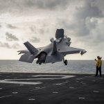 Caças F-35B dos Fuzileiros Navais dos EUA a bordo do USS Essex voaram 100 surtidas na Síria em 50 dias