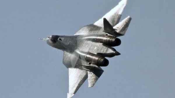 c1c5933fbd9f055ab7e40e2a22f320bb 600x337 - Su-57 para China?