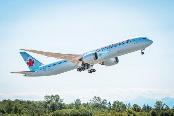 Air Canada 787 Dreamliner 600x400 - Boeing falsificou registros de um 787 entregue para a Air Canada