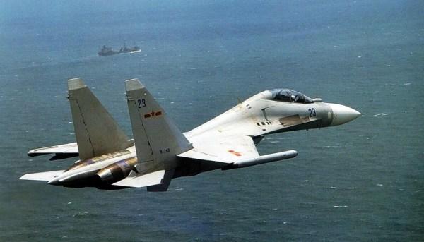 Chinese Fighter jets buzzed Canadian naval warships in East China Sea 600x343 - Caças chineses fazem passagem próxima de embarcações militares canadenses
