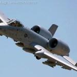 """AIRVENTURE: Aeronaves A-10 """"Warthog"""" realizarão demonstração de apoio aéreo aproximado"""