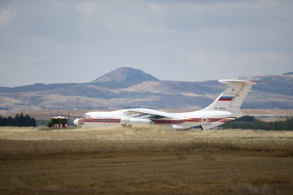 g 8906 - Começa a entrega do primeiro lote de defesa aérea S-400 na Turquia