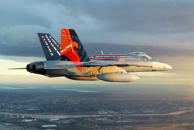 CuHnsVLUkAEtrw4 - Frota de jatos Hornet da RAAF atinge a marca de 400 mil horas de voo