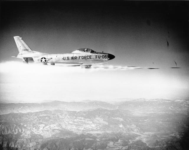 F 86D super dog - AERONAVES FAMOSAS: North American Aviation F-86D 'Sabre Dog'