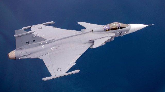 Gripen E 39 10 - Saab ainda não decidiu se fica ou sai da competição de caças no Canadá