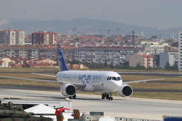 MC 21 300 in Istanbul 4 - Irkut MC-21-300 realiza primeiro voo internacional