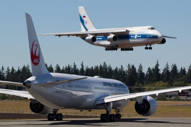 636092282228980565 USAT Sept16 9 - Pouso com força de An-124 danifica motor de 777X que era transportado após reparos