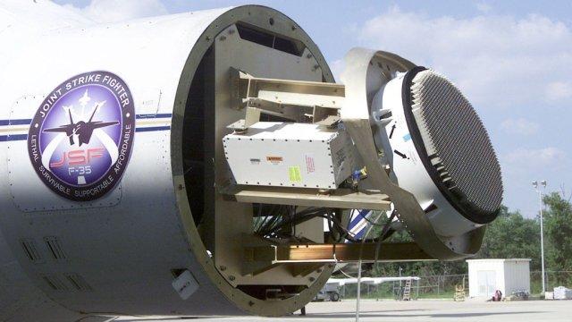 EI1Vhk2XUAA71bS - Northrop Grumman entrega 500º radar AESA para o programa F-35