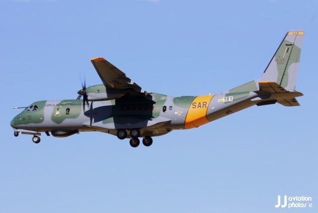 EJLEzziWkAEVOIR - Segunda aeronave SC-105 da FAB é entregue em Sevilha, na Espanha