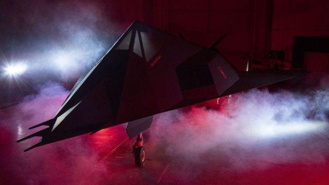 """image article169Gallery 639fda5e 1644942 - """"Nighthawk Landing"""": Revelado processo de preparação do F-117 que será exposto em biblioteca presidencial"""