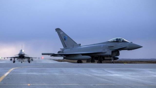 p1742419 main - Typhoons da RAF chegam na Islândia para missão da OTAN