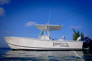 our regulator 26fs private charter boat at starfish point grand cayman