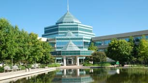 In 2000, Nortel was a telecommunications technology giant with 90,000 employees worldwide, including 17,000 in Ottawa, at its main research and development centre.