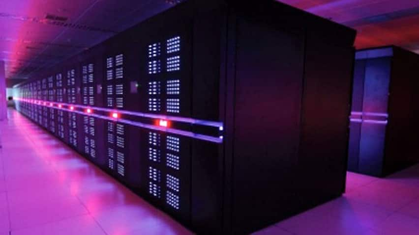 The Tianhe-2 supercomputer, which is used for complex work such as modeling weather systems and designing jetliners.