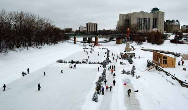 5 cool Canadian outdoor ice rinks | Explore | Awesome ...