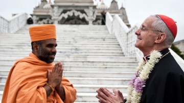 Christians and Hindus: Promoting hope among families