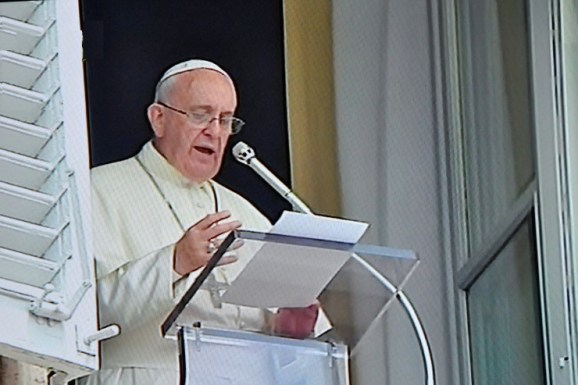 pope_francis_angelus