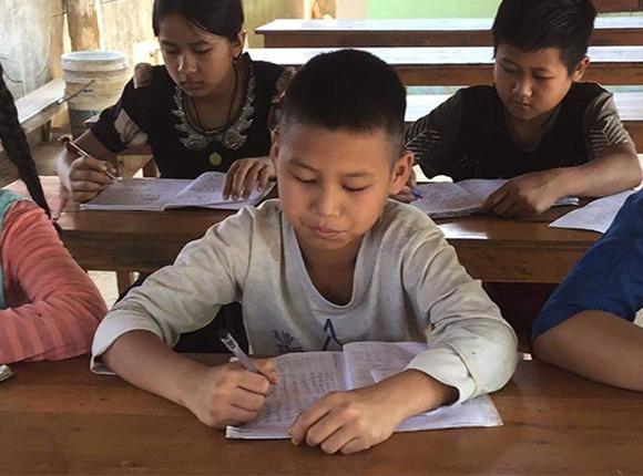 Photo of Burmese children at school
