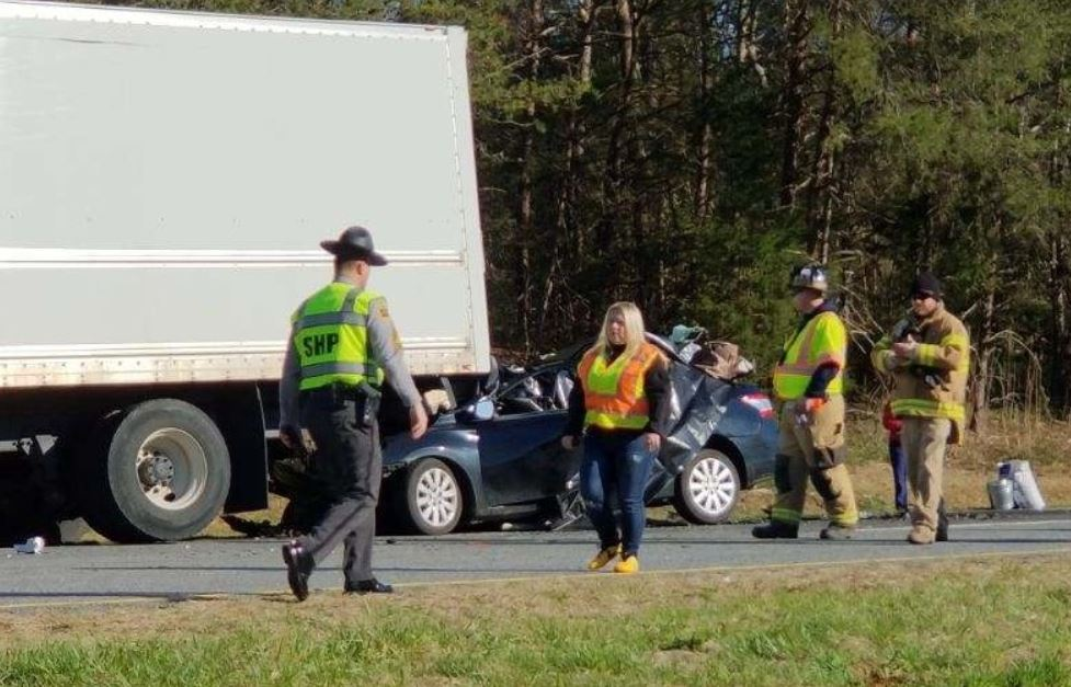 NC woman dies in crash as truck stops in highway