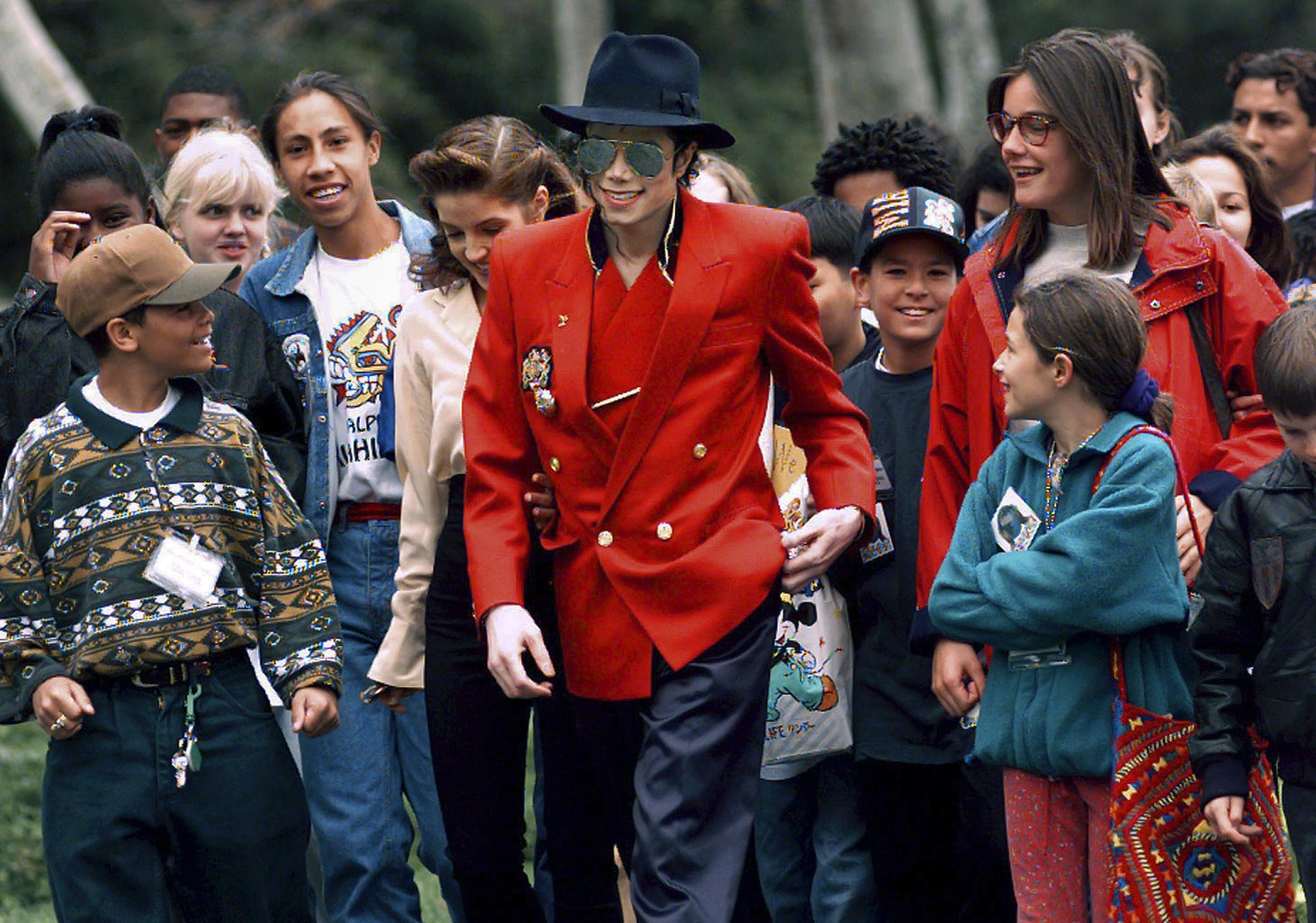 Michael_Jackson_Documentary_95861-159532.jpg43135412