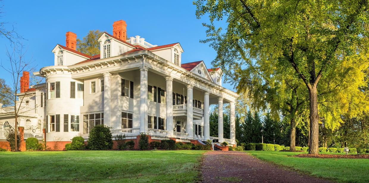 """The iconic mansion that inspired """"Gone with the Wind"""" is ..."""
