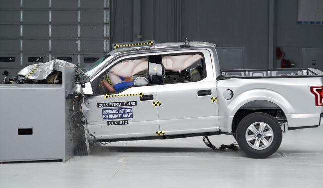 TruckCrash650_109933