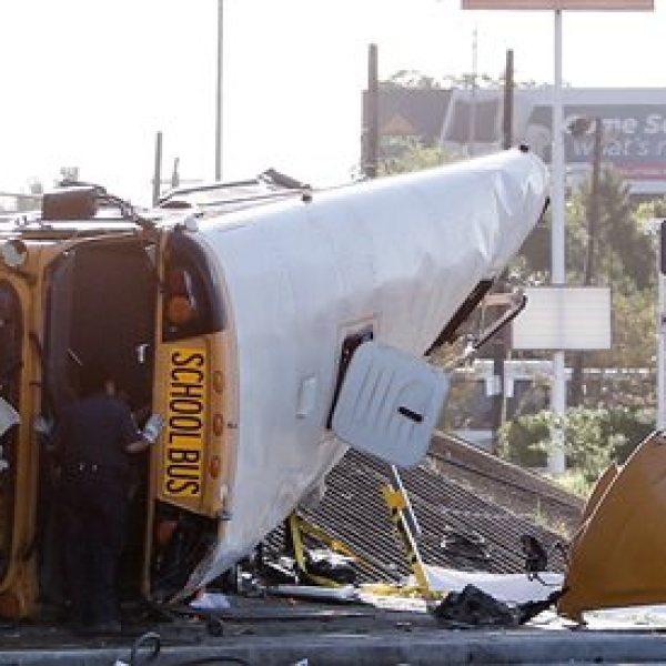 Houston-School Bus Wreck_119671