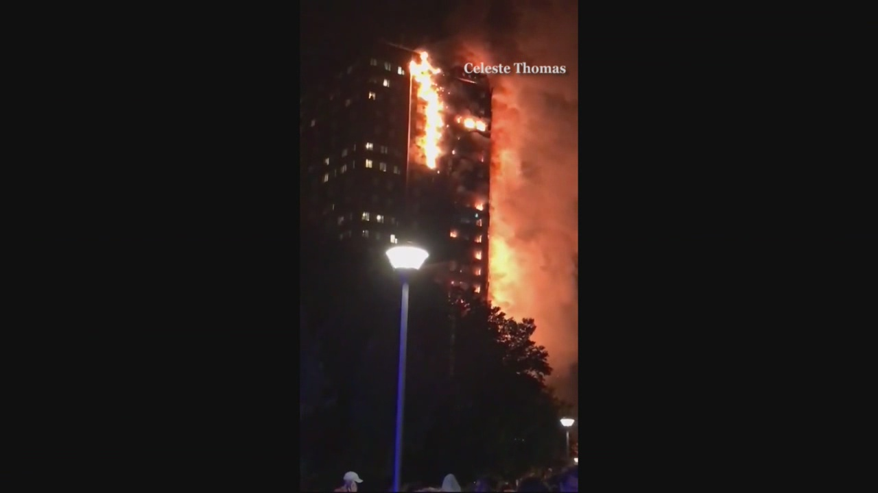 Fire rips through apartment building