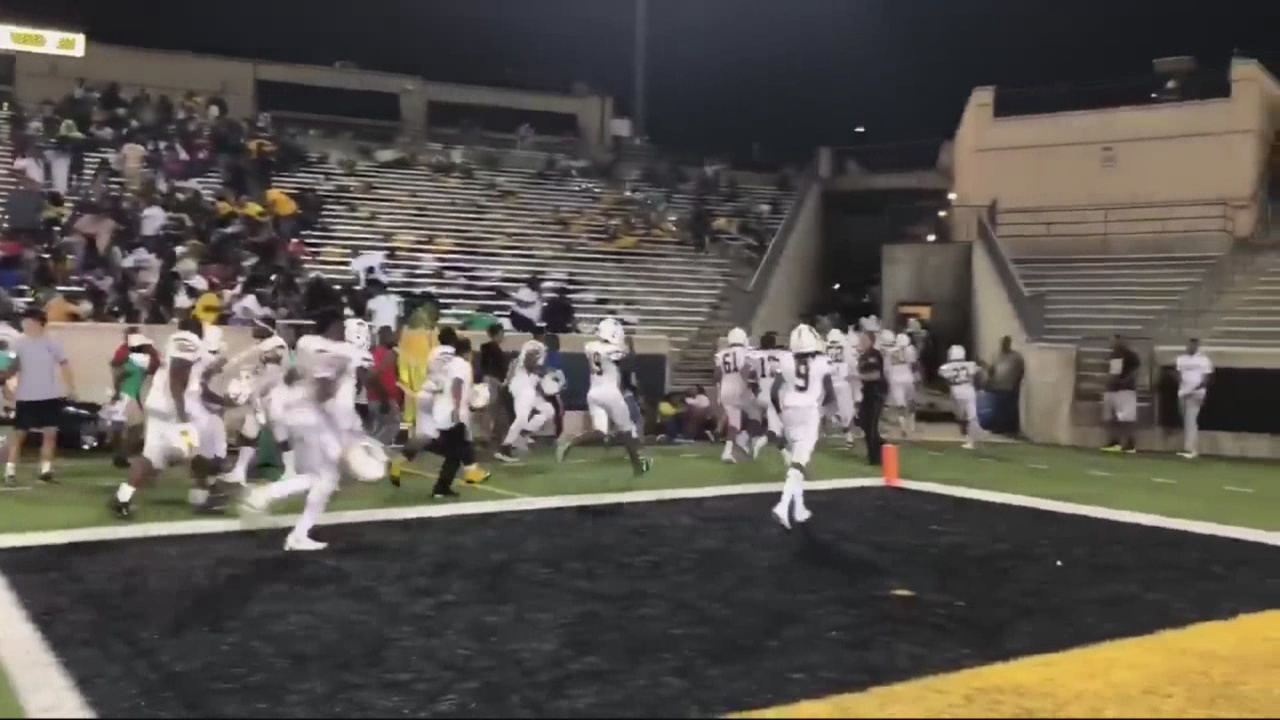 Montgomery_HS_football_game_ends_early_d_0_20180824112155