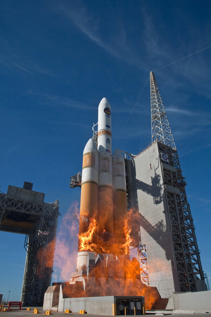 United Launch Alliance Delta 4 rocket boosts secret spy