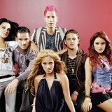 "RBD regresa a la escena musical con el tema ""Llévame"""