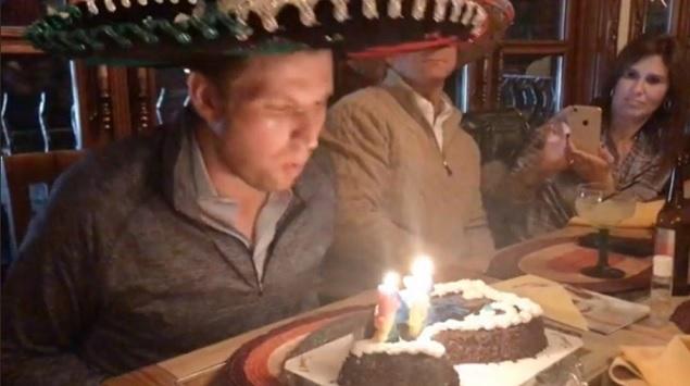 Hijo de Trump celebra cumpleaños con sabor a Jalisco