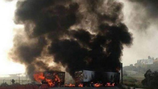 Pipa se incendia en un accidente en laMéxico-Querétaro