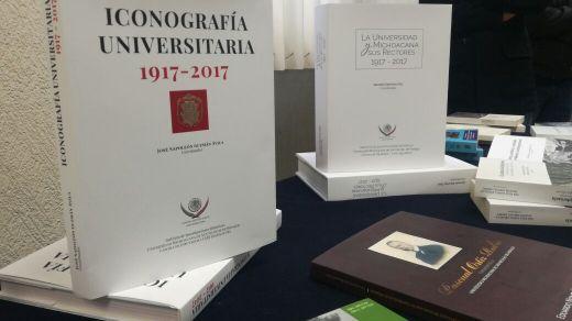 Cámara de Diputados hace entrega de libros conmemorativos de la UMSNH y sus rectores