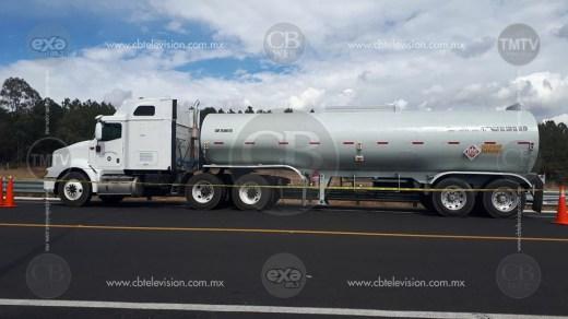 MORELIA Federales aseguran 32 mil 500 litros de combustible (1)